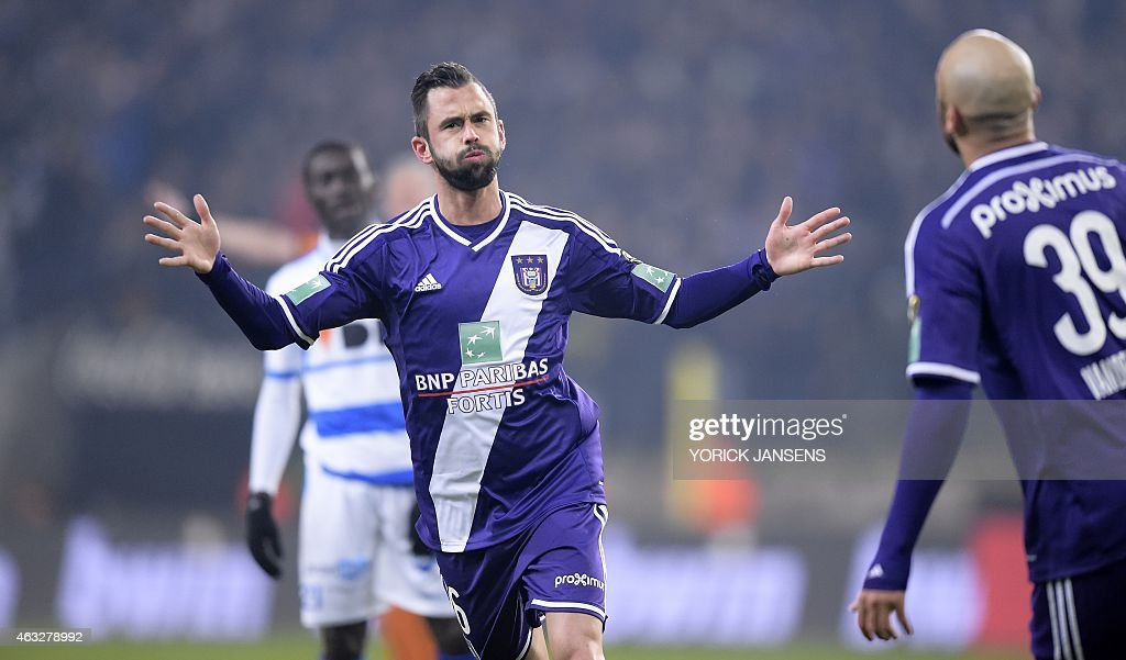 Anderlecht's <a gi-track='captionPersonalityLinkClicked' href=/galleries/search?phrase=Steven+Defour&family=editorial&specificpeople=5733692 ng-click='$event.stopPropagation()'>Steven Defour</a> celebrates after scoring the 1-0 goal during the return leg match of the Cofidis Cup 1/2 final between RSCA Anderlecht and AA Gent, in Anderlecht, on February 12, 2015. Anderlecht won 0-2 the first leg. AFP PHOTO / BELGA / YORICK JANSENS