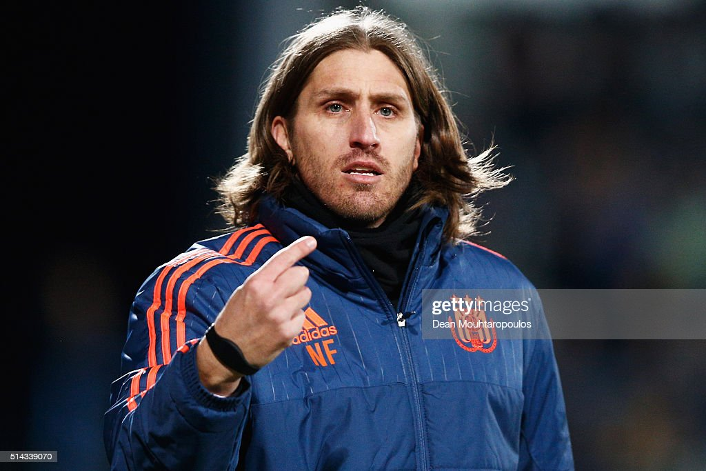 http://media.gettyimages.com/photos/anderlect-head-coach-nicolas-frutos-reacts-on-the-sidelines-during-picture-id514339070