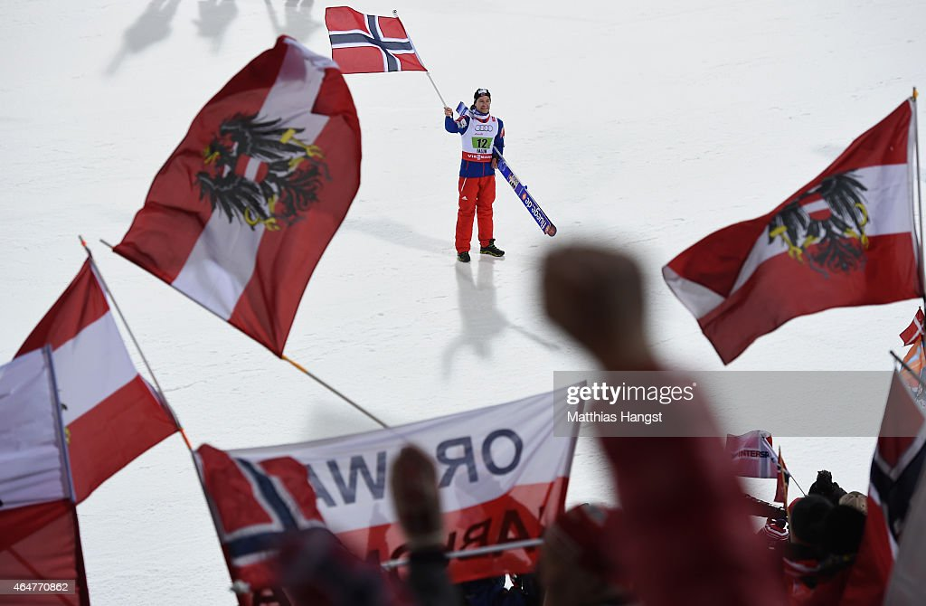 <a gi-track='captionPersonalityLinkClicked' href=/galleries/search?phrase=Anders+Jacobsen+-+Ski+Jumper&family=editorial&specificpeople=12186216 ng-click='$event.stopPropagation()'>Anders Jacobsen</a> of Norway celebrates winning the gold medal in the Men's Team HS134 Large Hill Ski Jumping during the FIS Nordic World Ski Championships at the Lugnet venue on February 28, 2015 in Falun, Sweden.