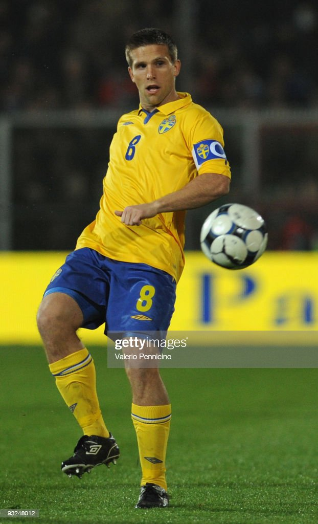 <a gi-track='captionPersonalityLinkClicked' href=/galleries/search?phrase=Anders+Svensson&family=editorial&specificpeople=167083 ng-click='$event.stopPropagation()'>Anders Svensson</a> of Sweden in action during the international friendly match between Italy and Sweden at Dino Manuzzi Stadium on November 18, 2009 in Cesena, Italy.