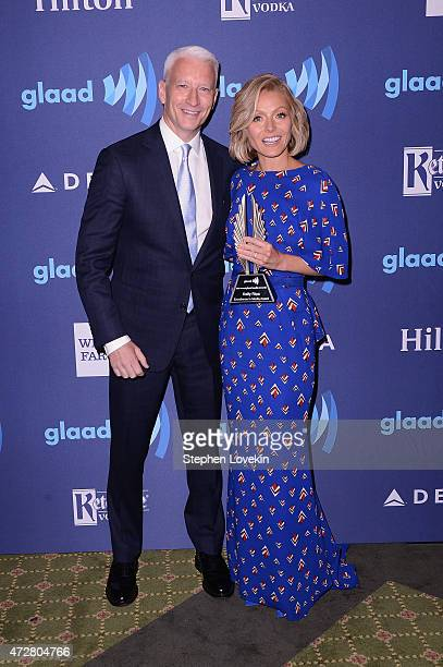 Anderson Cooper and Kelly Ripa attend the 26th Annual GLAAD Media Awards In New York on May 9 2015 in New York City