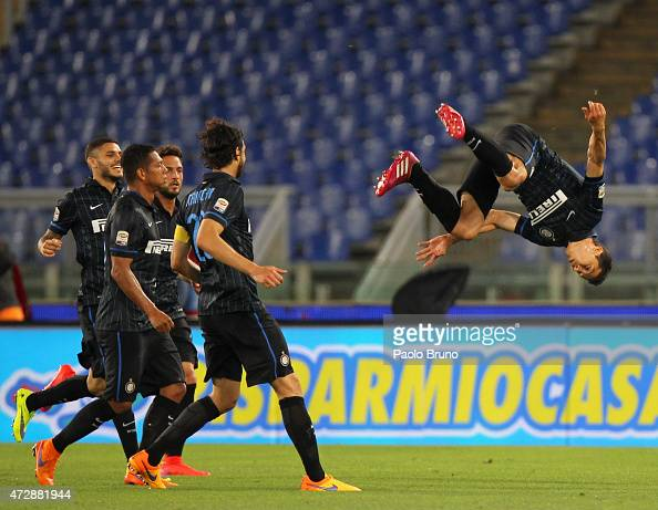 Anderson Hernanes of FC Internazionale Milano celebrates after scoring the team's first goal during the Serie A match between SS Lazio and FC...