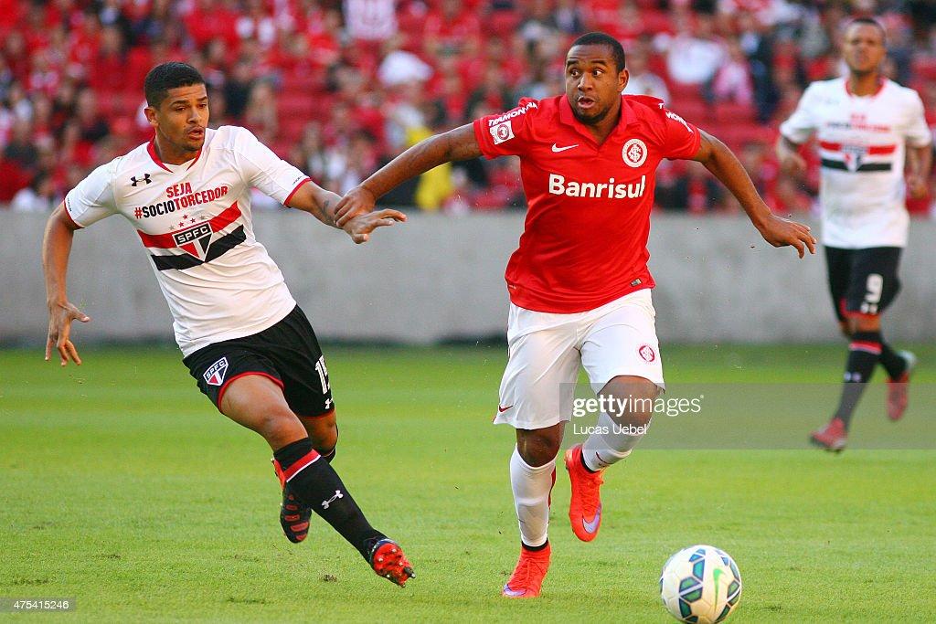Internacional v Sao Paulo - Series A 2015 : News Photo