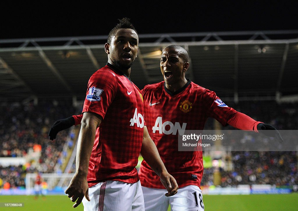 Anderson of Manchester United celebrates scoring a goal with teammate <a gi-track='captionPersonalityLinkClicked' href=/galleries/search?phrase=Ashley+Young&family=editorial&specificpeople=623155 ng-click='$event.stopPropagation()'>Ashley Young</a> during the Barclays Premier League match between Reading and Manchester United at Madejski Stadium on December 1, 2012 in Reading, England.
