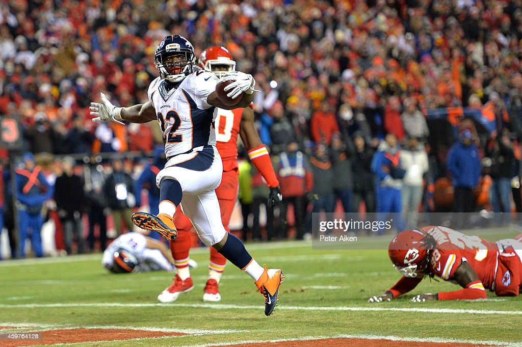 J Anderson of the Denver Broncos celebrates scoring a touchdown against the Kansas City Chiefs during the first quarter at Arrowhead Stadium on...