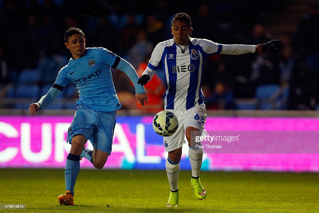 <a gi-track='captionPersonalityLinkClicked' href=/galleries/search?phrase=Anderson+Oliveira&family=editorial&specificpeople=2360303 ng-click='$event.stopPropagation()'>Anderson Oliveira</a> (R) of FC Porto in action with Pablo Maffeo of Manchester City during the Premier League International Cup Final match between Manchester City and FC Porto at the Manchester City Academy Stadium on May 8, 2015 in Mancheter, England.