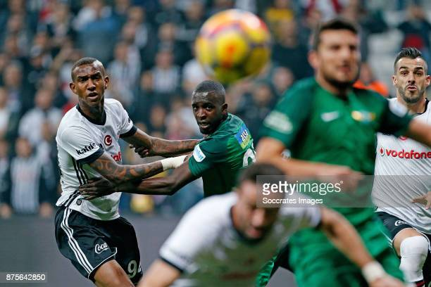 Anderson Talisca of Besiktas Abdoulwhaid Sissoko of Akhisar Belediyespor during the Turkish Super lig match between Besiktas v Akhisar Belediyespor...