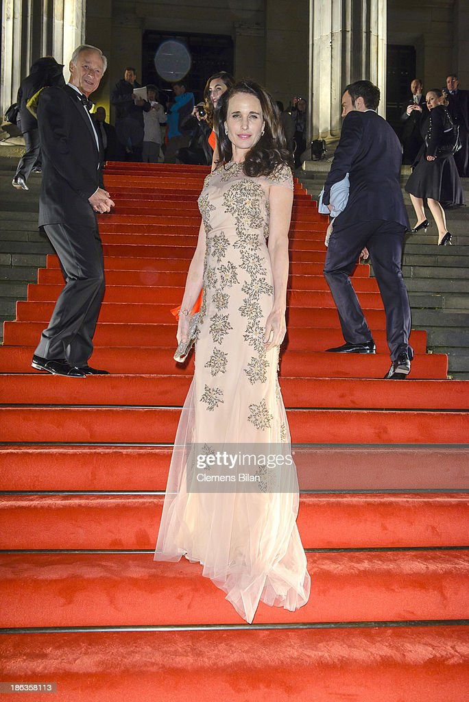 <a gi-track='captionPersonalityLinkClicked' href=/galleries/search?phrase=Andie+MacDowell&family=editorial&specificpeople=204572 ng-click='$event.stopPropagation()'>Andie MacDowell</a> arrives for Prix Montblanc 2013 at Konzerthaus Am Gendarmenmarkt on October 30, 2013 in Berlin, Germany.