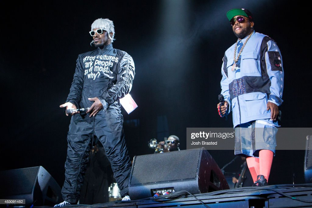 <a gi-track='captionPersonalityLinkClicked' href=/galleries/search?phrase=Andre+3000&family=editorial&specificpeople=220195 ng-click='$event.stopPropagation()'>Andre 3000</a> (L) and <a gi-track='captionPersonalityLinkClicked' href=/galleries/search?phrase=Big+Boi&family=editorial&specificpeople=202898 ng-click='$event.stopPropagation()'>Big Boi</a> of Outkast perform during the 2014 Lollapalooza at Grant Park on August 2, 2014 in Chicago, Illinois.
