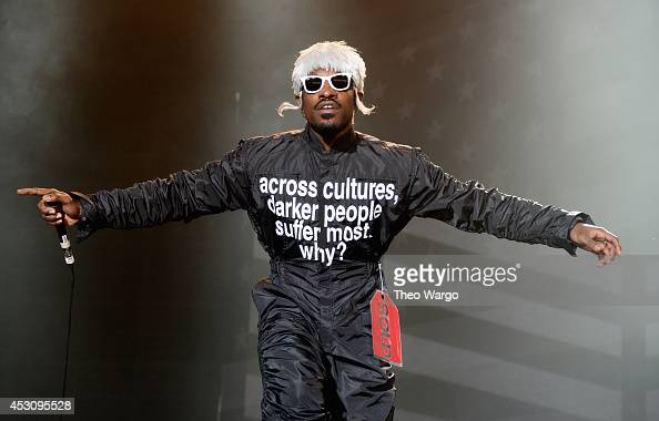 Andre 3000 of Outkast performs at Samsung Galaxy stage during 2014 Lollapalooza Day Two at Grant Park on August 2 2014 in Chicago Illinois