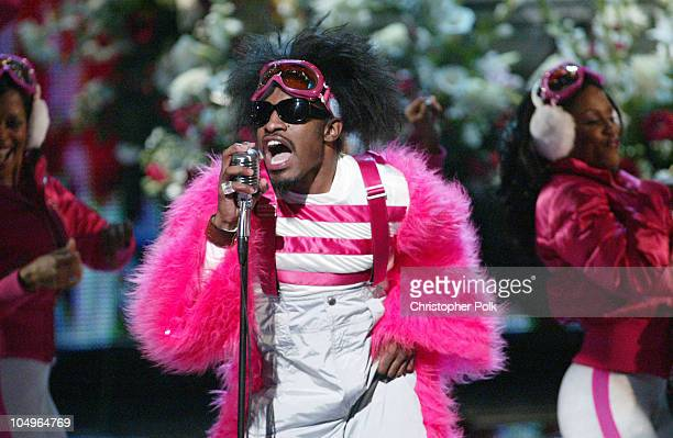 Andre 3000 of Outkast performs 'Hey Ya' at the VH1 Big In '03 airing November 30 2003