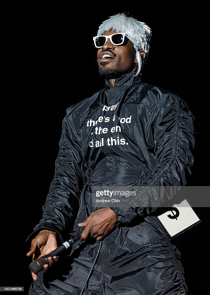 <a gi-track='captionPersonalityLinkClicked' href=/galleries/search?phrase=Andre+3000&family=editorial&specificpeople=220195 ng-click='$event.stopPropagation()'>Andre 3000</a> of OutKast performs on stage during Day 3 of Pemberton Music and Arts Festival on July 20, 2014 in Pemberton, Canada.