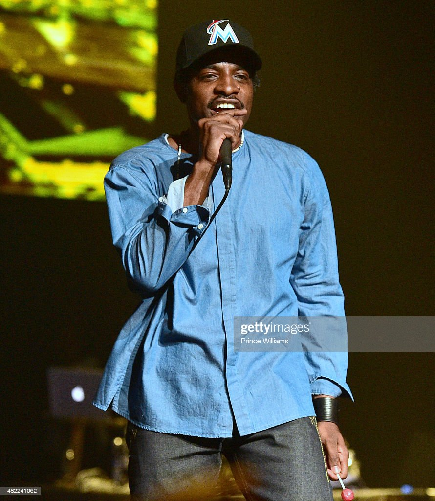 <a gi-track='captionPersonalityLinkClicked' href=/galleries/search?phrase=Andre+3000&family=editorial&specificpeople=220195 ng-click='$event.stopPropagation()'>Andre 3000</a> performs at Young Jeezy Presents TM101: 10 Year Anniversary at The Fox Theatre on July 25, 2015 in Atlanta, Georgia.
