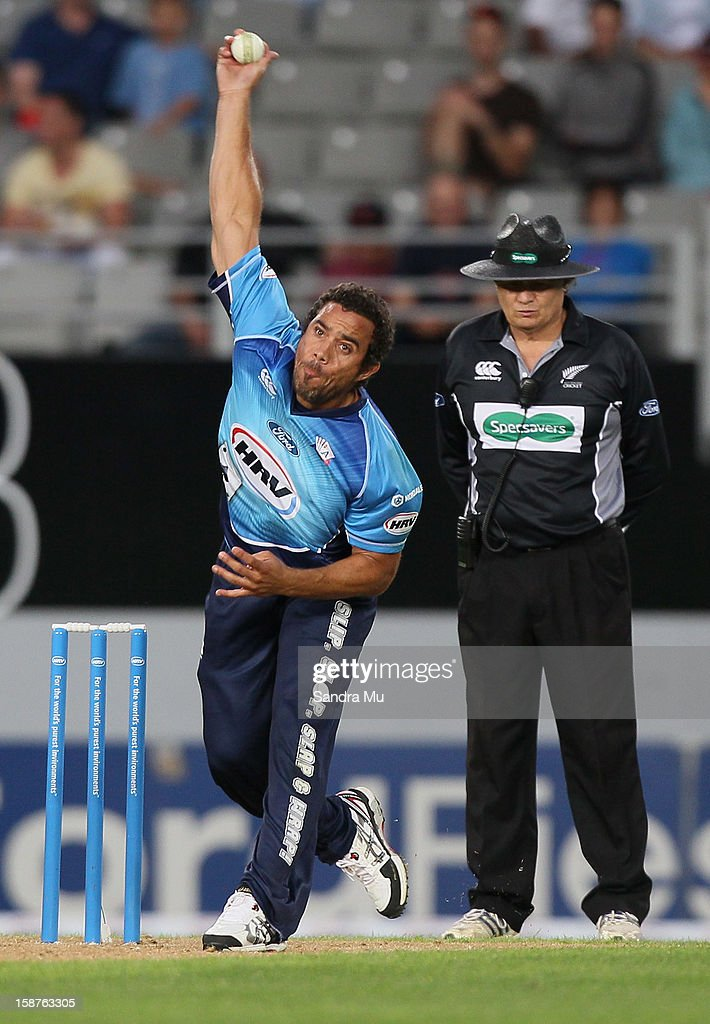 <a gi-track='captionPersonalityLinkClicked' href=/galleries/search?phrase=Andre+Adams&family=editorial&specificpeople=795802 ng-click='$event.stopPropagation()'>Andre Adams</a> of Auckland makes a delivery during the HRV Cup Twenty20 match between the Auckland Aces and Wellington Firebirds at Eden Park on December 28, 2012 in Auckland, New Zealand.
