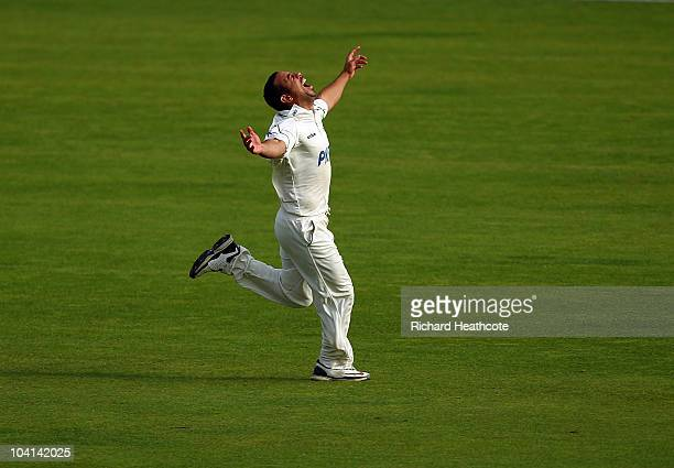Andre Adams of Nottinghamshire celebrates taking the wicket of Shivnarine Chanderpaul of Lancashire and securing the bonus points needed to win the...