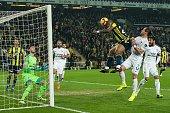 TUR: Fenerbahce AS v Buyuksehir Belediye Erzurumspor - Turkish Spor Toto Super Lig