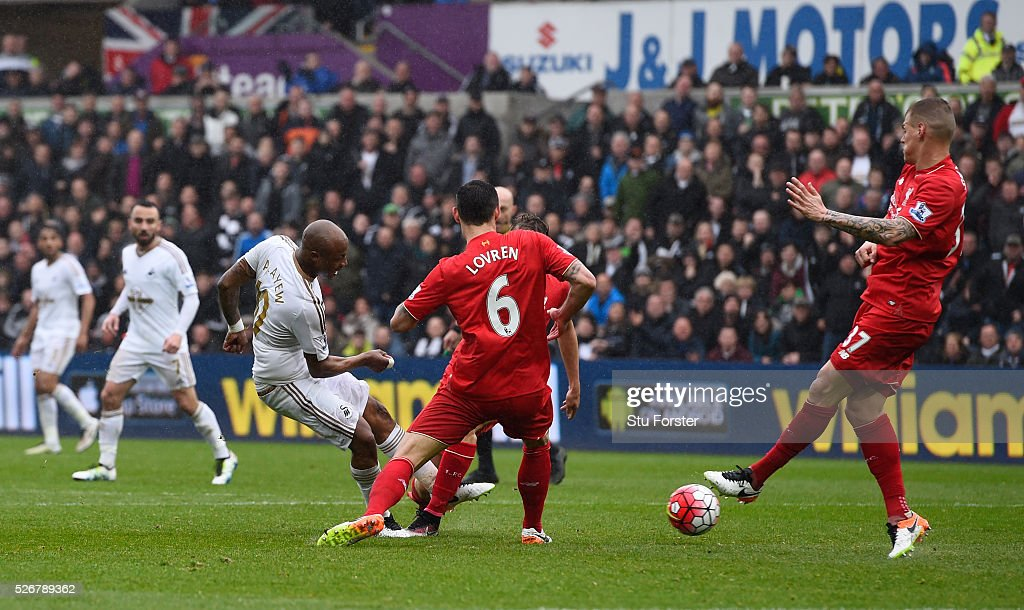 Andre Ayew of Swansea City scores his team's third goal during the Barclays Premier League match between Swansea City and Liverpool at The Liberty Stadium on May 1, 2016 in Swansea, Wales.