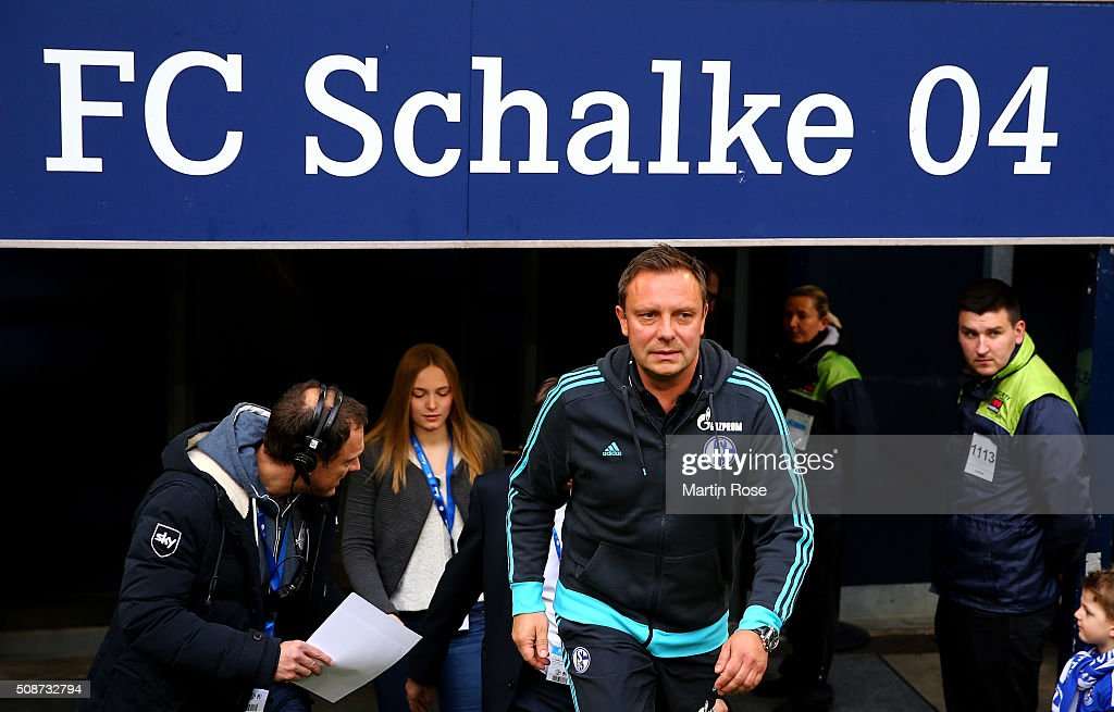 Andre Breitenreiter, head coach of Schalke walks onto the pitch before the Bundesliga match between FC Schalke 04 and VfL Wolfsburg at Veltins-Arena on February 6, 2016 in Gelsenkirchen, Germany.
