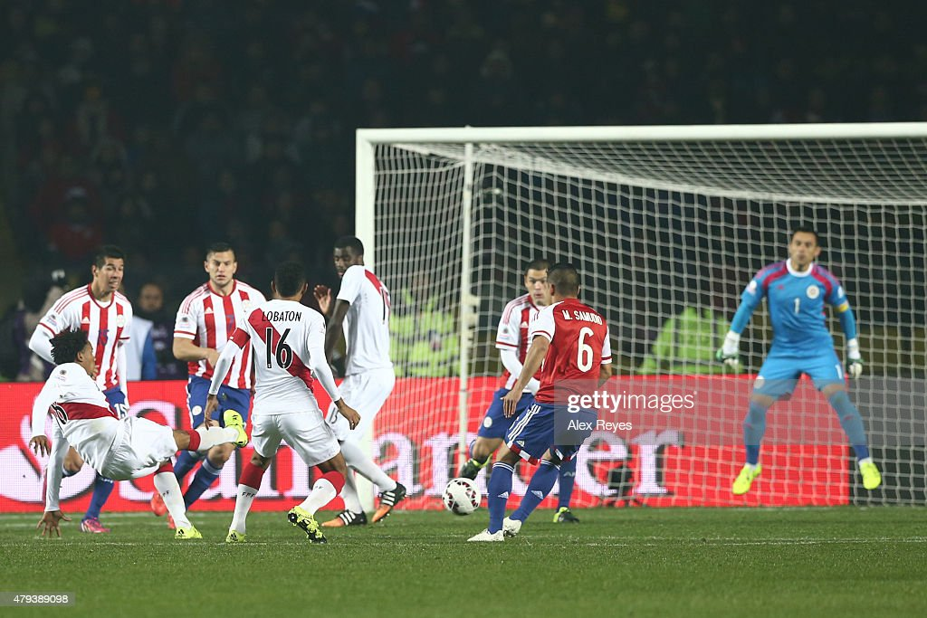 Andre Carrillo of Peru shoots to score the opening goal of his team during the 2015 Copa America Chile Third Place Playoff match between Peru and Paraguay at Ester Roa Rebolledo Stadium on July 03, 2015 in Concepcion, Chile.
