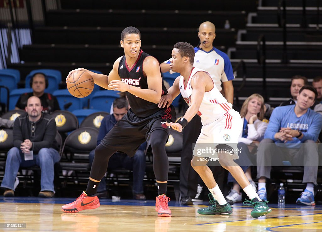 <a gi-track='captionPersonalityLinkClicked' href=/galleries/search?phrase=Andre+Dawkins&family=editorial&specificpeople=6543120 ng-click='$event.stopPropagation()'>Andre Dawkins</a> #7 of the Sioux Falls Skyforce dribbles the ball against the Main Red Claws during the 2015 NBA D-League Showcase presented by SAMSUNG on January 15, 2015 at Kaiser Permanente Arena in Santa Cruz, California.