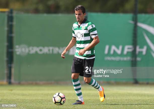 Andre Geraldes of Sporting CP B in action during the Segunda Liga match between Sporting CP B and SL Benfica B at CGD Stadium Aurelio Pereira on May...