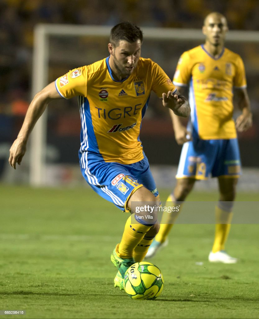 Andre Gignac drives the ball during the semi finals first leg match between Tigres UANL and Tijuana as part of the Torneo Clausura 2017 Liga MX Universitario Stadium on May 18, 2017 in Monterrey, Mexico.