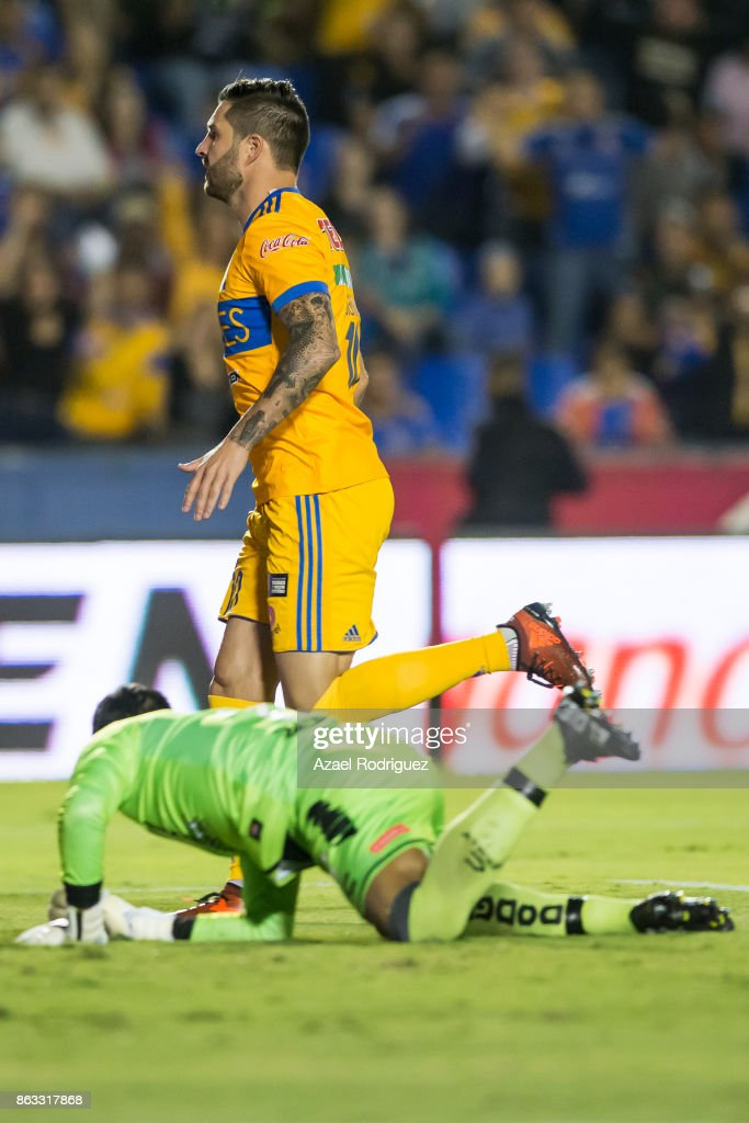 Tigres UANL v Veracruz - Torneo Apertura 2017 Liga MX