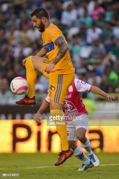 Andre Gignac of Tigres controls the ball during the 13th round match between Leon and Tigres UANL as part of the Torneo Apertura 2017 Liga MX at Leon...