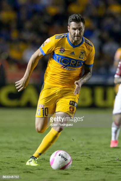 Andre Gignac of Tigres drives the ball during the 10th round match between Tigres UANL and Veracruz as part of the Torneo Apertura 2017 Liga MX at...