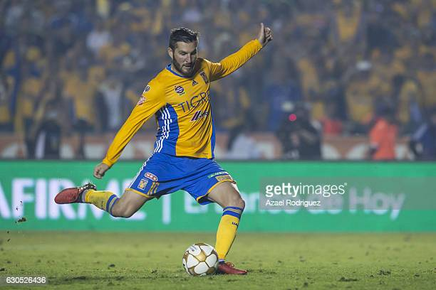 Andre Gignac of Tigres scores a penalty during the Final second leg match between Tigres UANL and America as part of the Torneo Apertura 2016 Liga MX...
