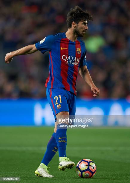 Andre Gomes of Barcelona in action during the La Liga match between FC Barcelona and Real Sociedad de Futbol at Camp Nou Stadium on April 15 2017 in...