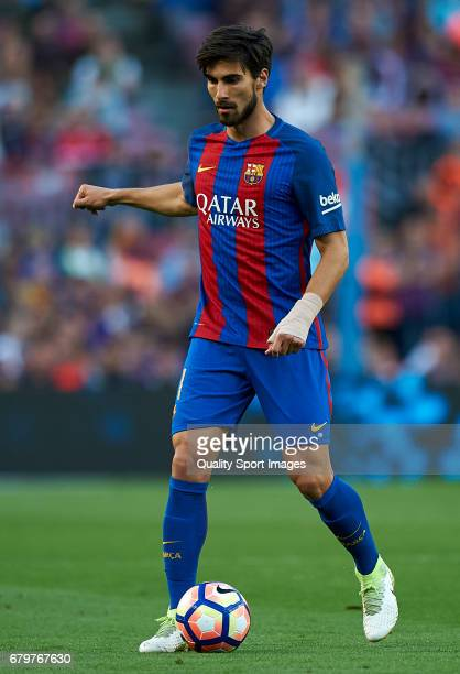 Andre Gomes of Barcelona in action during the La Liga match between FC Barcelona and Villarreal CF at Camp Nou Stadium on May 6 2017 in Barcelona...
