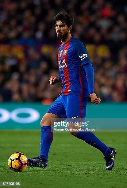 Andre Gomes of FC Barcelona in action during the La Liga match between FC Barcelona and Real Madrid CF at Camp Nou stadium on December 03 2016 in...