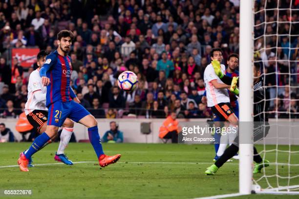 Andre Gomes of FC Barcelona shoot the ball and scores his team's fourth goal during the La Liga match between FC Barcelona and Valencia CF at Camp...