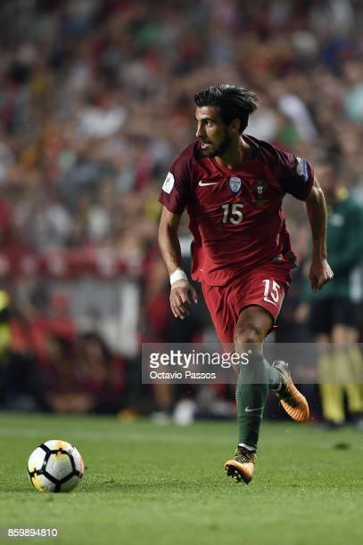 Andre Gomes of Portugal in action during the FIFA 2018 World Cup Qualifier between Portugal and Switzerland at the Luz Stadium on October 10 2017 in...