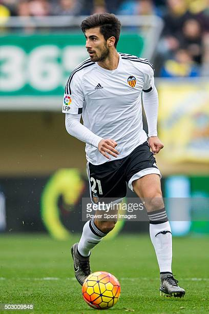 Andre Gomes of Valencia CF in action during the Villarreal CF vs Valencia CF as part of the Liga BBVA 20152016 at El Madrigal on December 31 2015 in...
