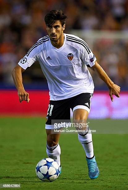 Andre Gomes of Valencia in action during the UEFA Champions League Group H match between Valencia CF and FC Zenit at the Estadi de Mestalla on...