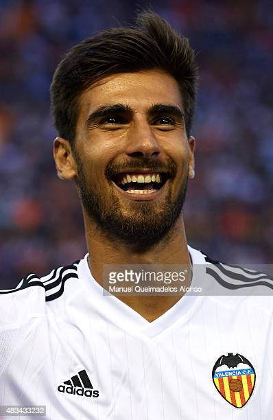 Andre Gomes of Valencia reacts during the team official presentation ahead the preseason friendly match between Valencia CF and AS Roma at Estadio...
