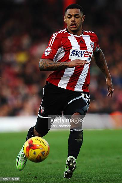 Andre Gray of Brentford runs with the ball during the Sky Bet Championship match between Brentford and Wolverhampton Wanderers at Griffin Park on...
