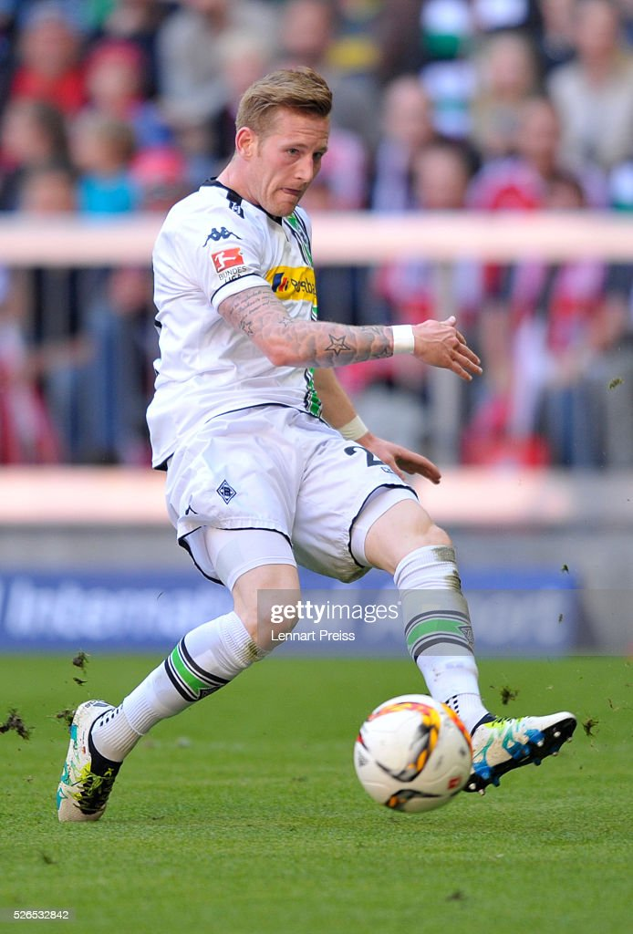 Andre Hahn of Borussia Moenchengladbach in action during the Bundesliga match between FC Bayern Muenchen and Borussia Moenchengladbach at Allianz Arena on April 30, 2016 in Munich, Germany.