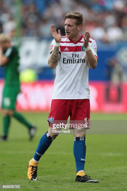 Andre Hahn of Hamburg gesticulated during the Bundesliga match between Hamburger SV and FC Augsburg at Volksparkstadion on August 19 2017 in Hamburg...