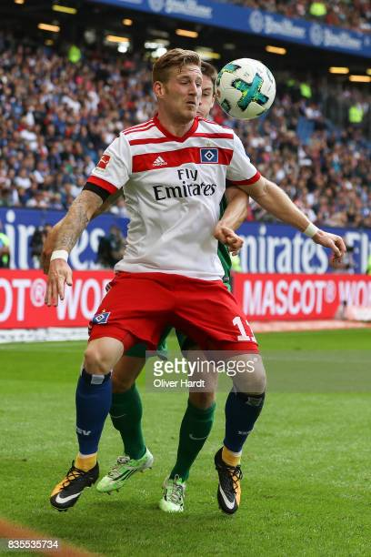 Andre Hahn of Hamburg in action during the Bundesliga match between Hamburger SV and FC Augsburg at Volksparkstadion on August 19 2017 in Hamburg...