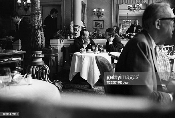 Andre Malraux At The Restaurant Lasserre Paris 5 octobre 1967 André Malraux ministre d'État chargé des Affaires culturelles déjeune au restaurant...
