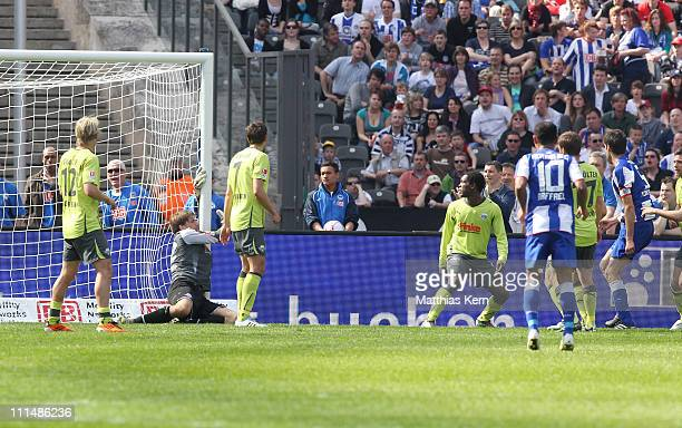 Andre Mijatovic of Berlin scores the second goal during the Second Bundesliga match between Hertha BSC Berlin and SC Paderborn 07 at Olympic stadium...