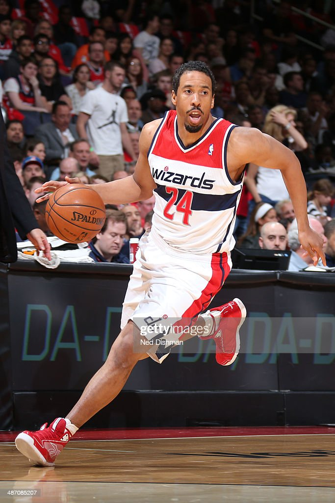 Andre Miller #24 of the Washington Wizards handles the ball against the Chicago Bulls during Game Four of the Eastern Conference Quarterfinals on April 27, 2014 at the Verizon Center in Washington, DC.