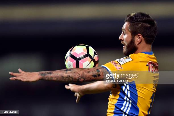 Andre Pierre Gignac of Mexico´s Tigres controls the ball during the second leg quarterfinal of the CONCACAF Champions League football match against...