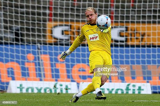 Andre Poggenborg of Fortuna Koeln shoots the ball during the third League match between Fortuna Koeln and Holstein Kiel at Suedstadion on November 9...