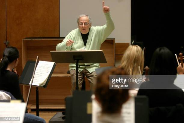 Andre Previn rehearsing Strauss's 'Symphonia Domestica' with the Juilliard Orchestra at the Juilliard School on Monday morning April 9 2007