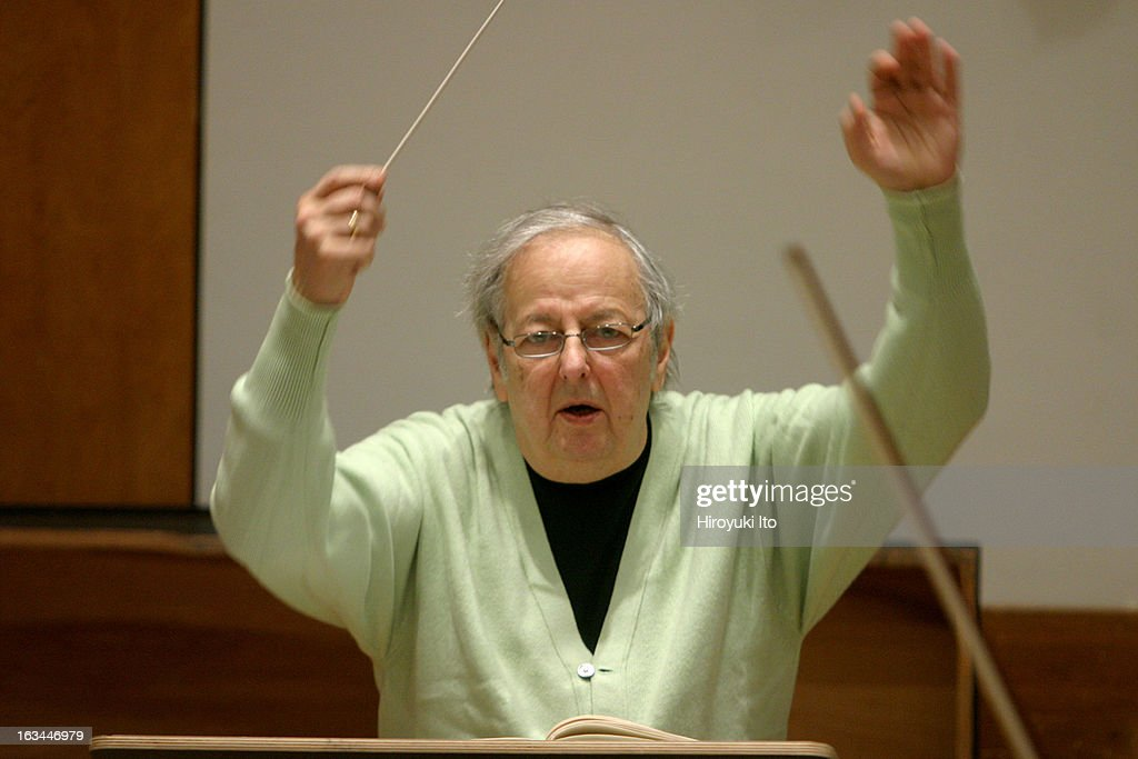 <a gi-track='captionPersonalityLinkClicked' href=/galleries/search?phrase=Andre+Previn&family=editorial&specificpeople=890306 ng-click='$event.stopPropagation()'>Andre Previn</a> rehearsing Strauss's 'Symphonia Domestica' with the Juilliard Orchestra at the Juilliard School on Monday morning, April 9, 2007. (Photo by Hiroyuki Ito/Getty Images).