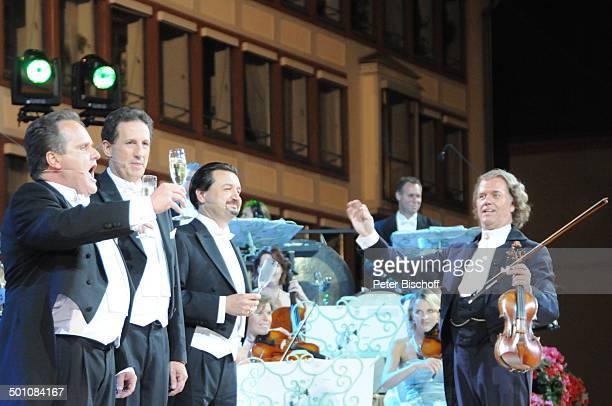 Andre Rieu die 3 'Platin Tenöre' Mitglieder vom 'Johann Strauß'Orchester ZDFMusikshow 'Ich habe mein Herz an Heidelberg verloren' beim Heidelberger...